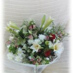 זר פרחי שושן צחור